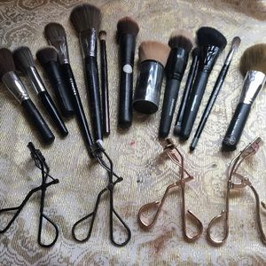 Brushes and curlers